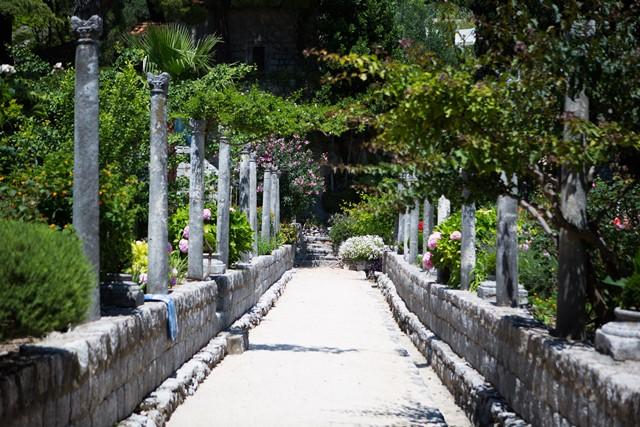 Zamagna garden3.jpg