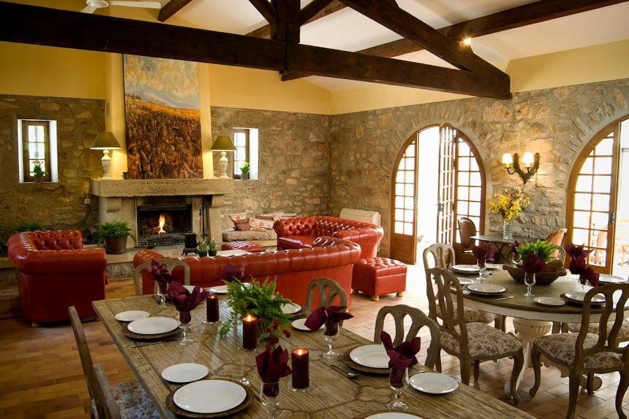 Dining room and lounge Bastide Avellanne | EAT.PRAY.MOVE Yoga Retreats | Provence, France