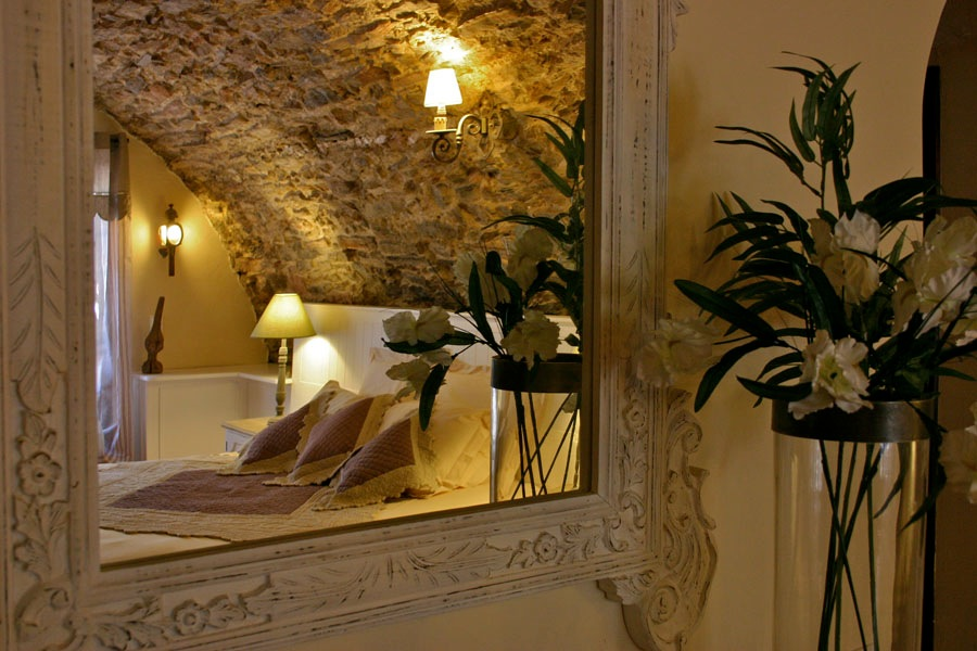 Stone ceilings Bastide Avellanne | EAT.PRAY.MOVE Yoga Retreats | Provence, France