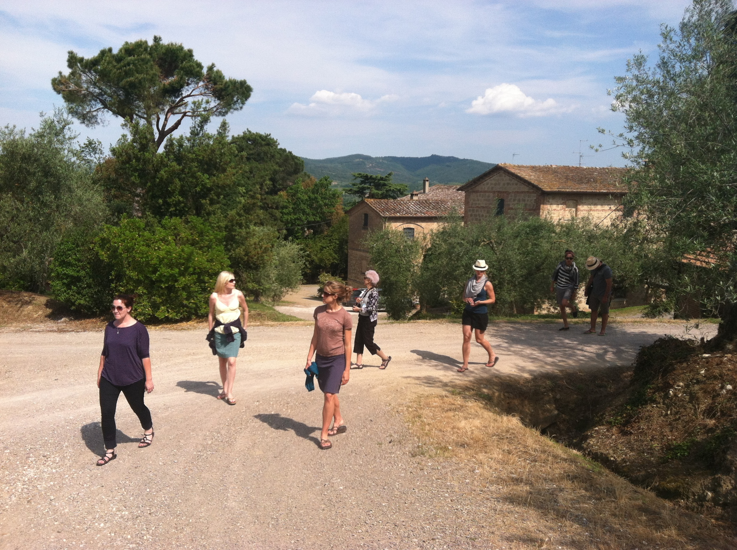 Guests strolling the area EAT.PRAY.MOVE Yoga Retreats | Tuscany, Italy