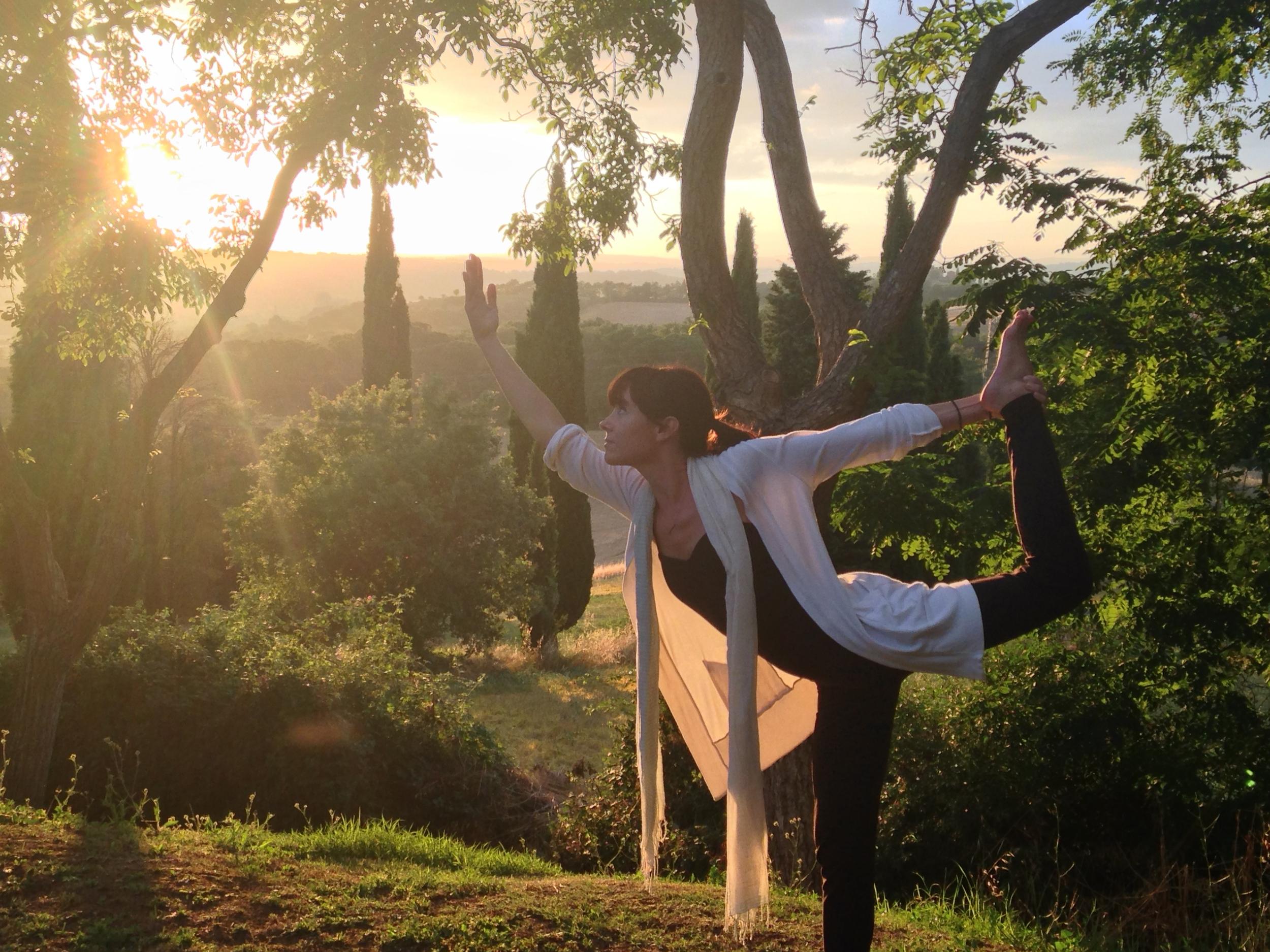 Yoga teacher Erin Lewis EAT.PRAY.MOVE Yoga Retreats | Tuscany, Italy