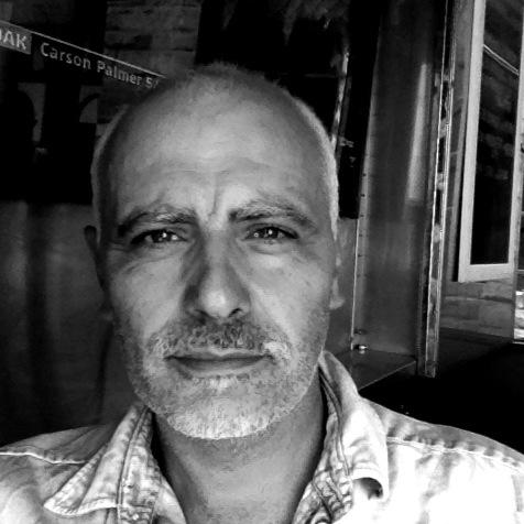 Julian Hyzler art teacher | EAT.PRAY.MOVE Yoga | Venice, Italy