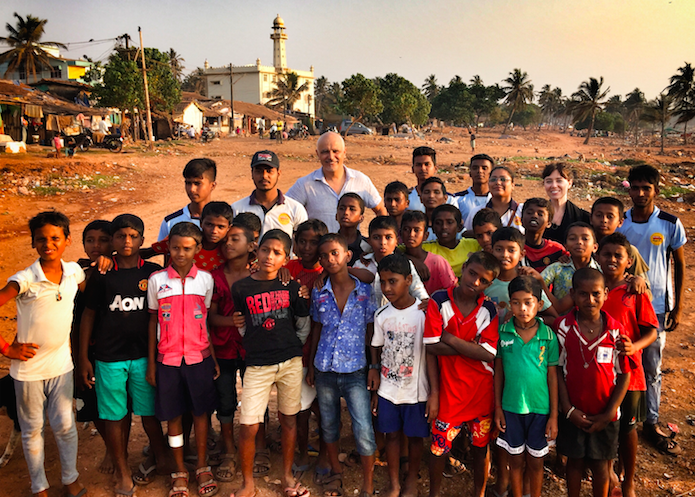 Erin & Julian with the children and leaders of Magic Bus, Baina Community