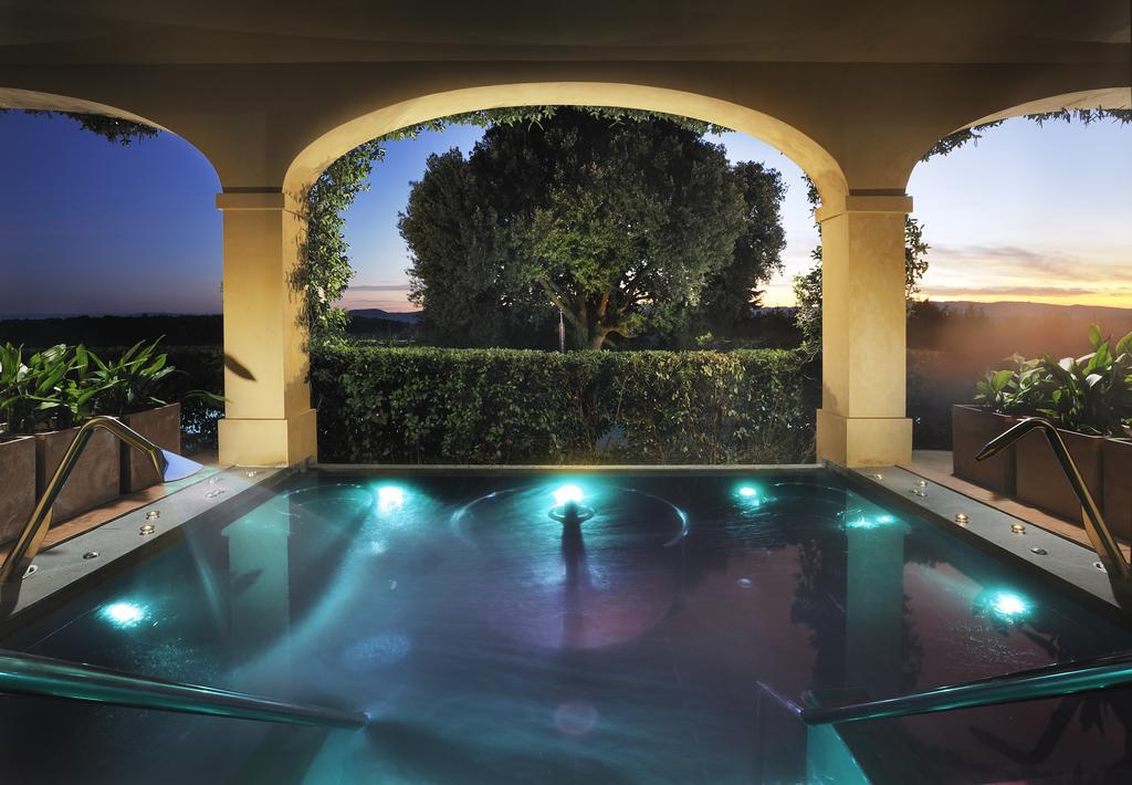 Healing waters Castello del Nero | EAT.PRAY.MOVE Yoga | Chianti, Italy