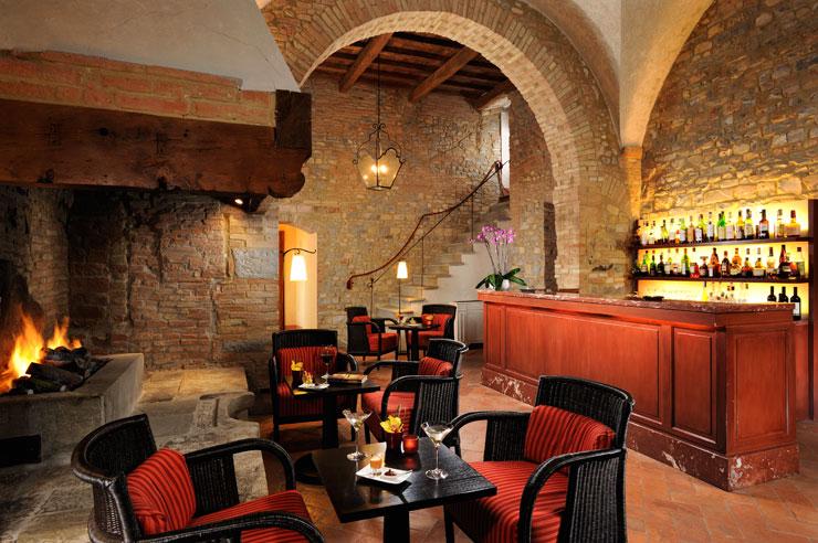 Fireside tables Castello del Nero | EAT.PRAY.MOVE Yoga | Chianti, Italy