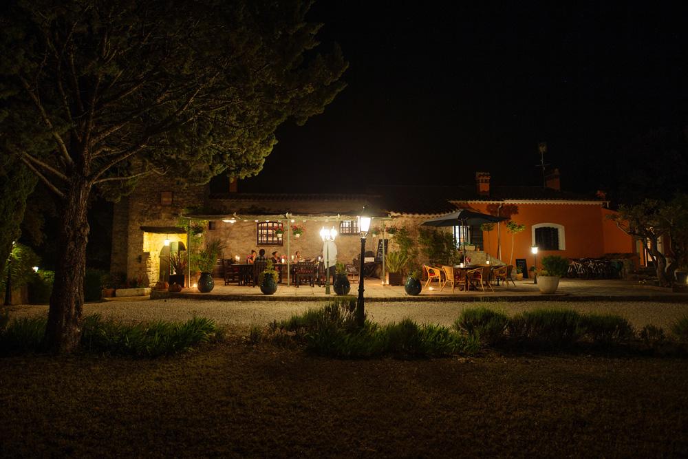 Nighttime quiet Bastide Avellanne | EAT.PRAY.MOVE Yoga Retreats | Provence, France
