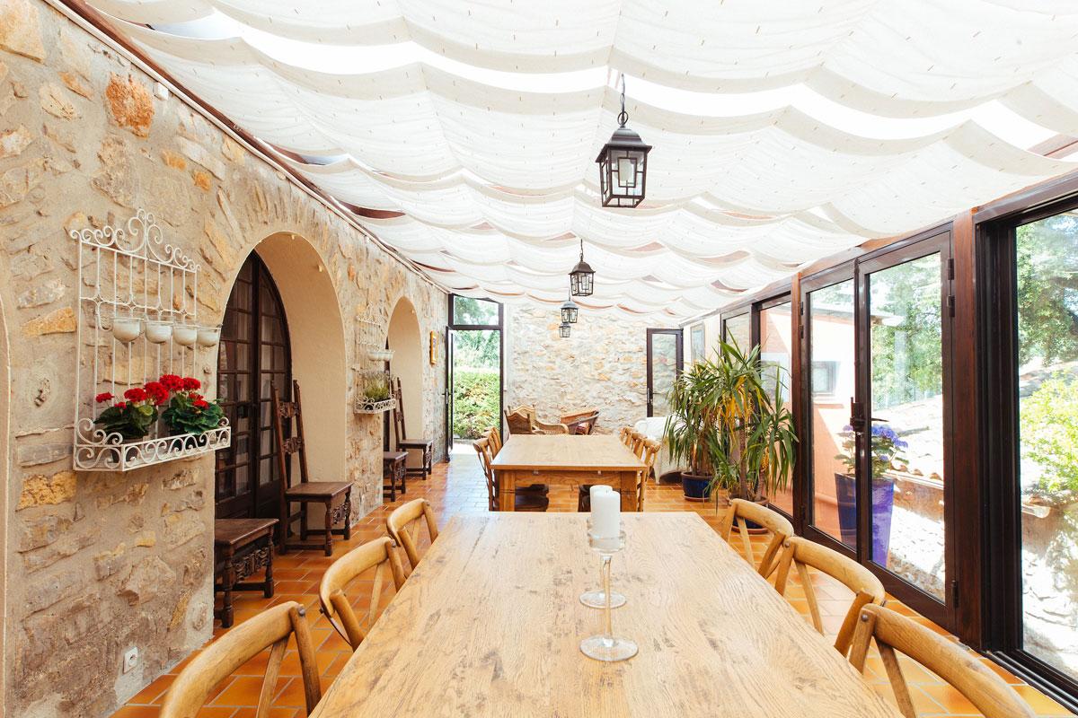 Shaded sunroom Bastide Avellanne | EAT.PRAY.MOVE Yoga Retreats | Provence, France