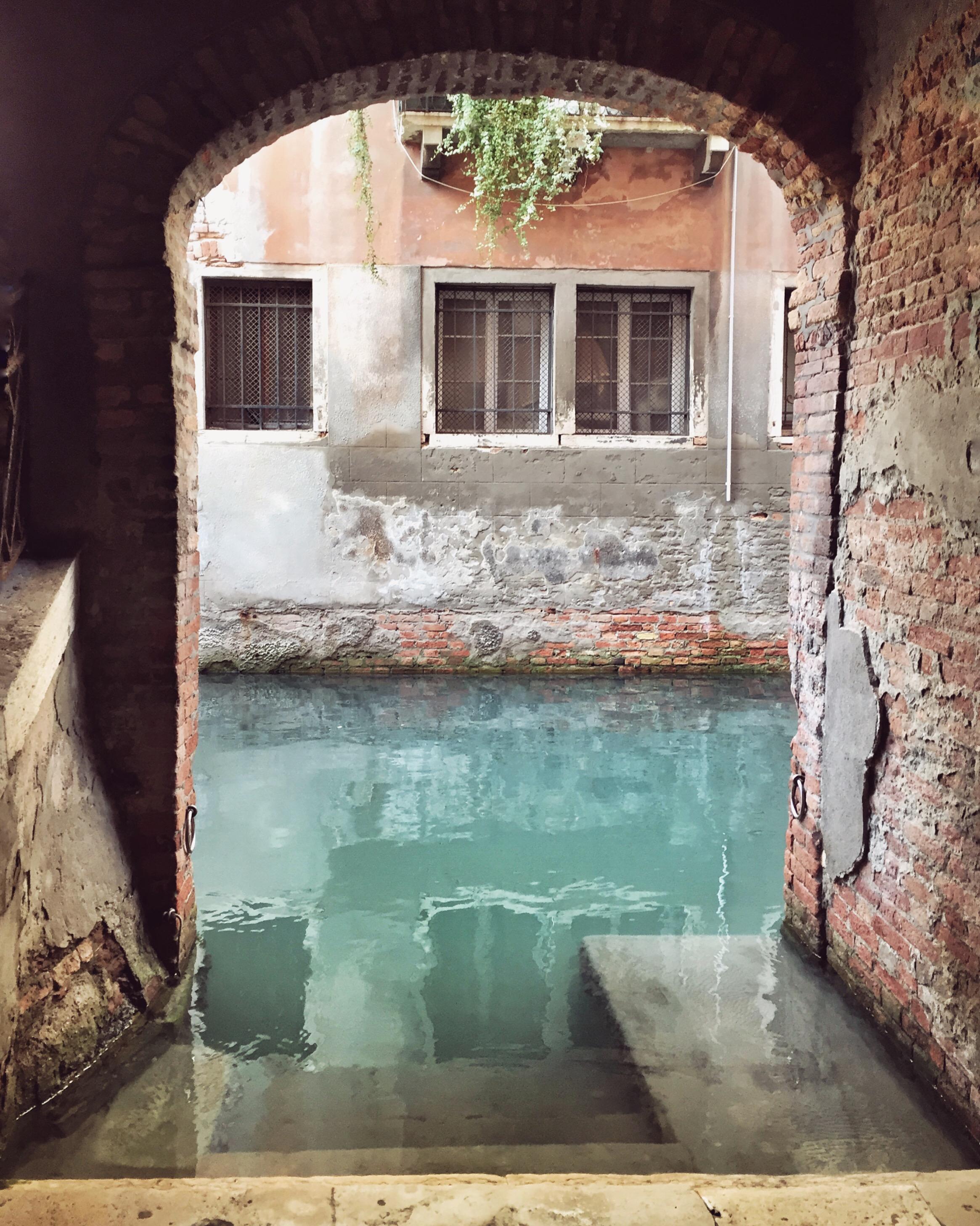 Secret beauty | EAT.PRAY.MOVE Yoga | Venice, Italy
