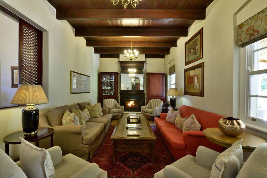 gallery-20-361-tilney-manor-lounge-2016-2-web.jpg