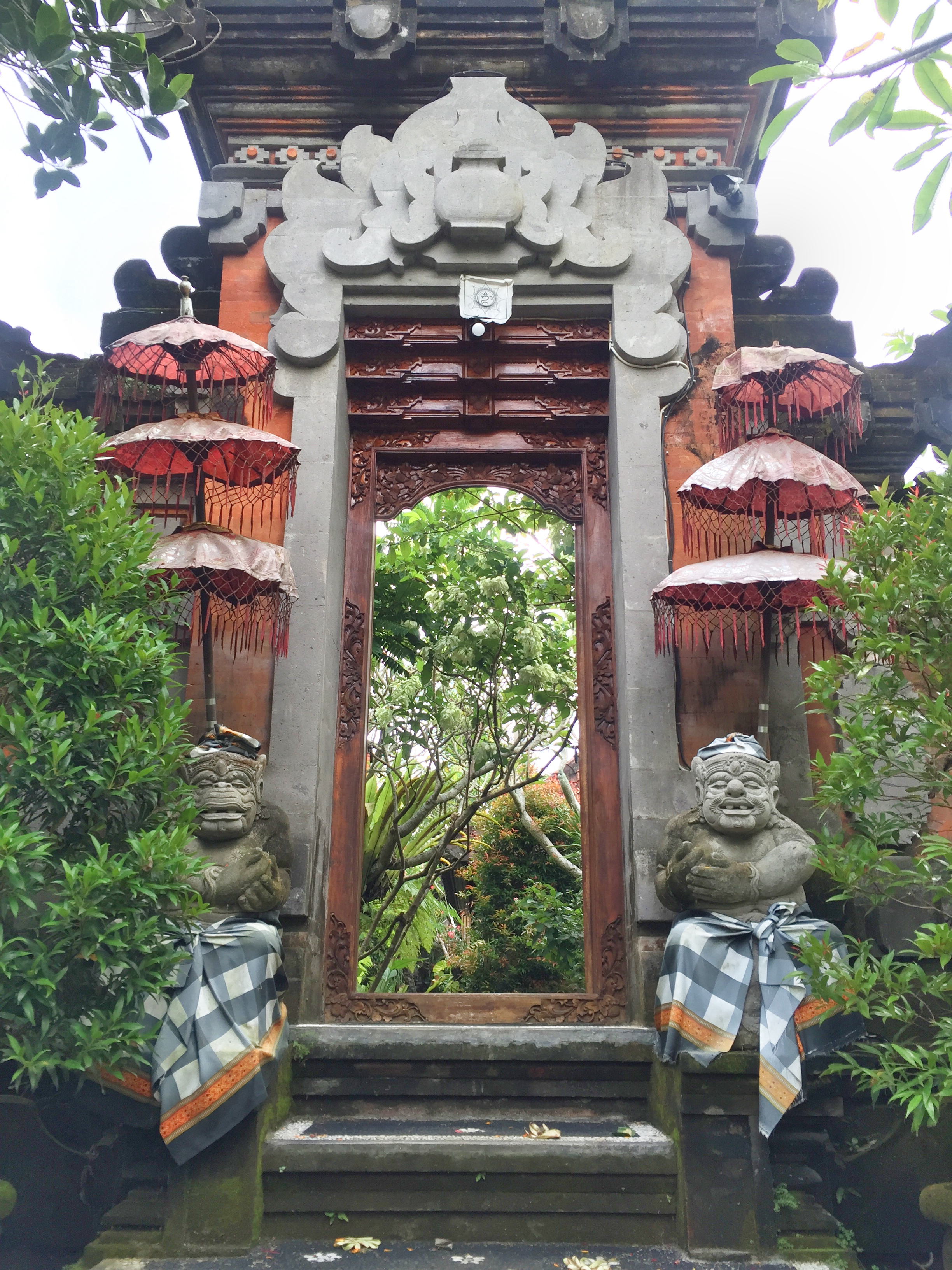Temples and statues | EAT.PRAY.MOVE Yoga | Bali, Indonesia