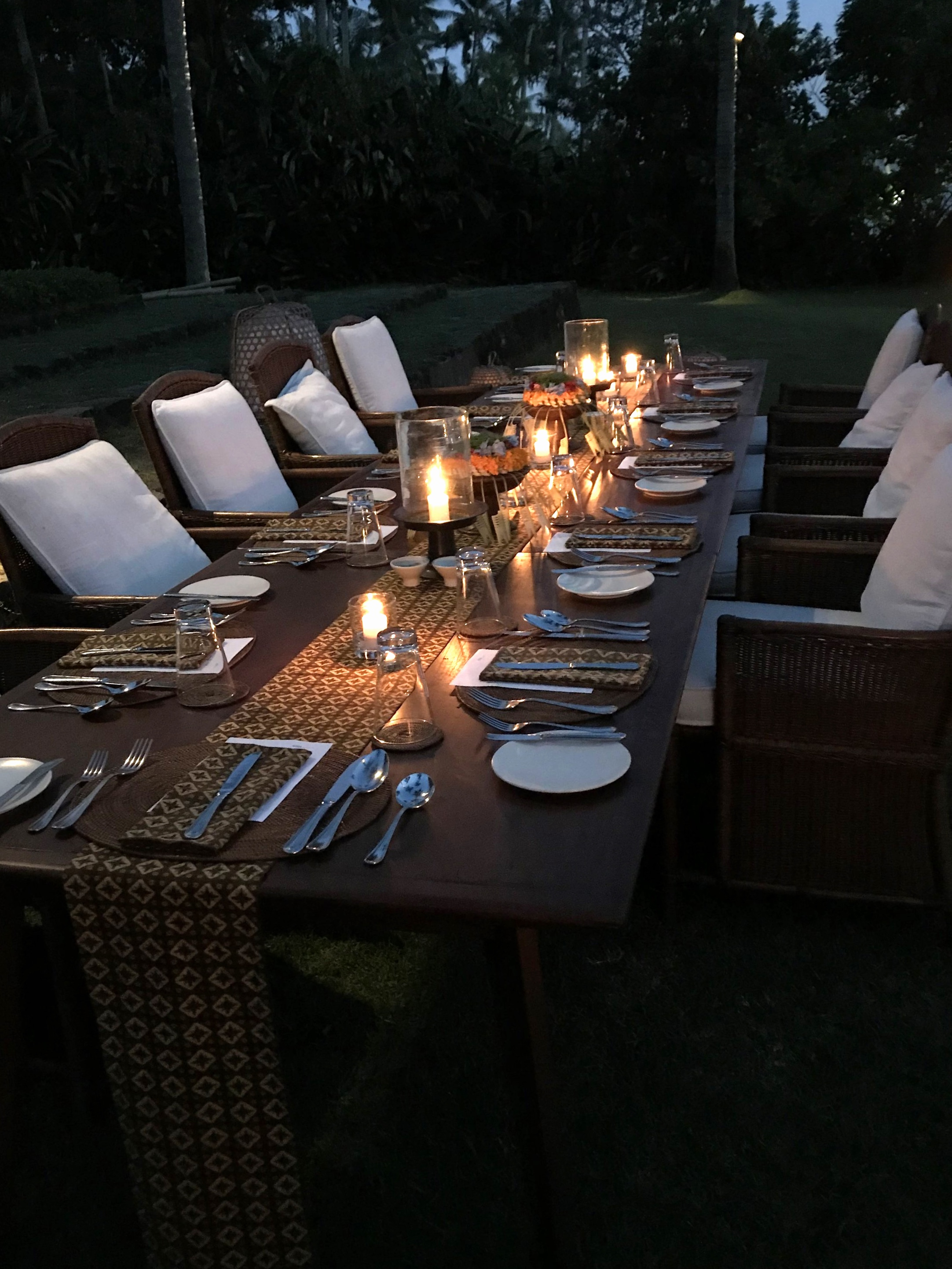 A relaxing evening meal | EAT.PRAY.MOVE Yoga | Bali, Indonesia
