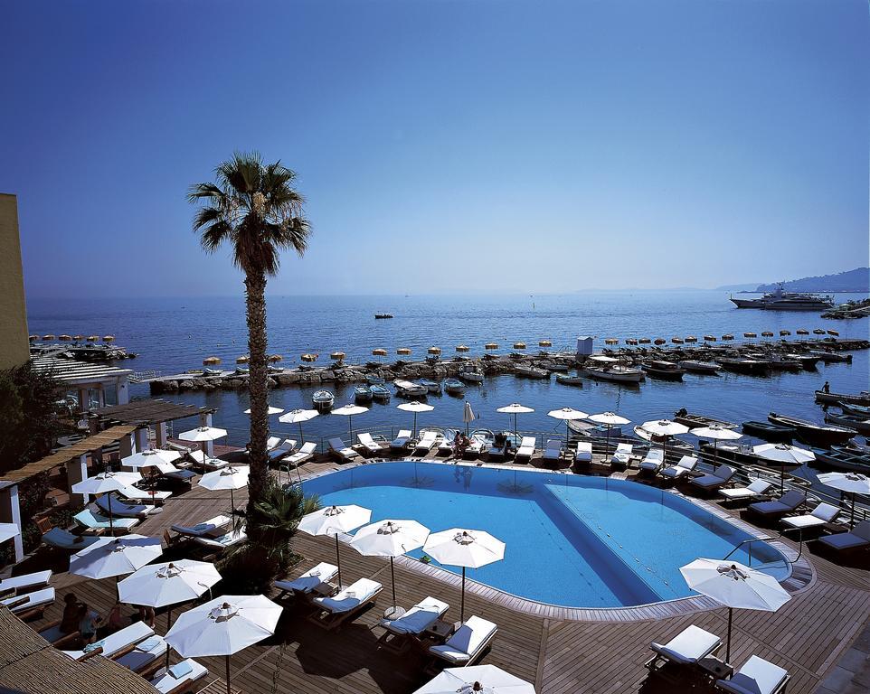Pool and ocean views | EAT.PRAY.MOVE Yoga Retreats | Ischia, Italy