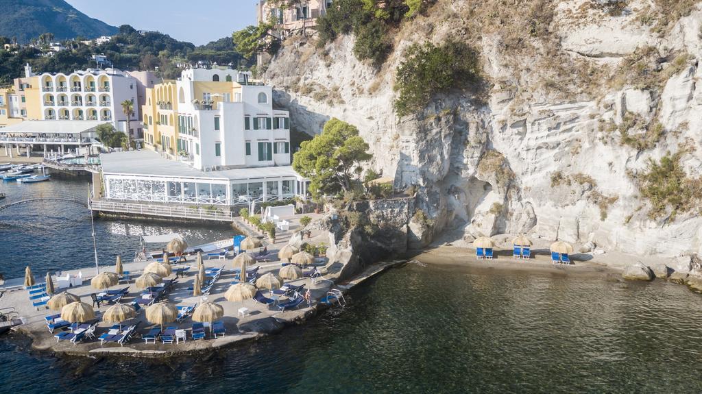 The beach at Regina Isabella | EAT.PRAY.MOVE Yoga Retreats | Ischia, Italy