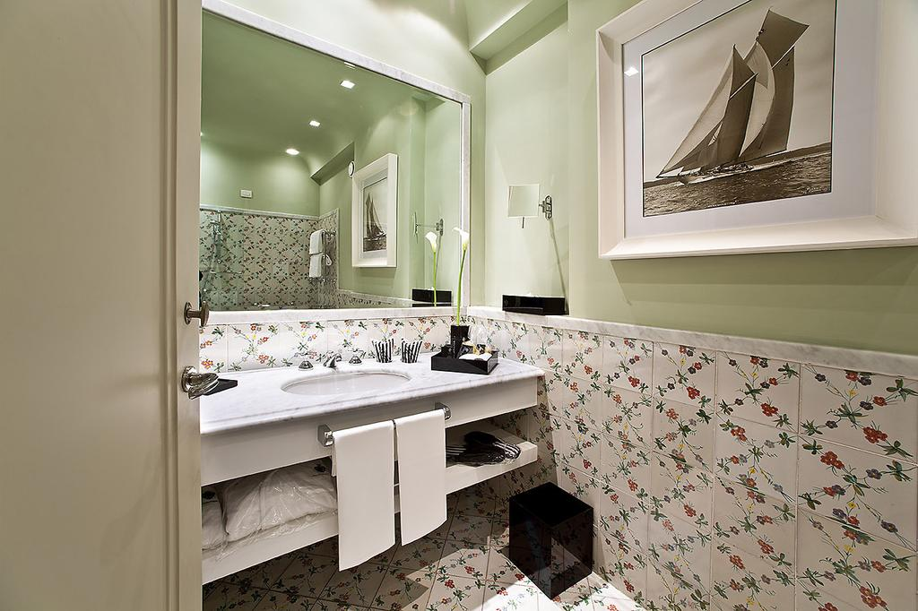 Beautiful modern bathrooms | EAT.PRAY.MOVE Yoga Retreats | Ischia, Italy