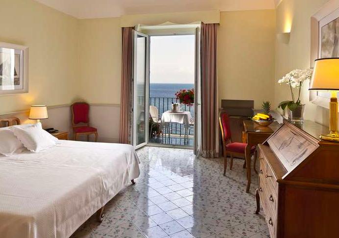 Single room with sea view | EAT.PRAY.MOVE Yoga Retreats | Ischia, Italy