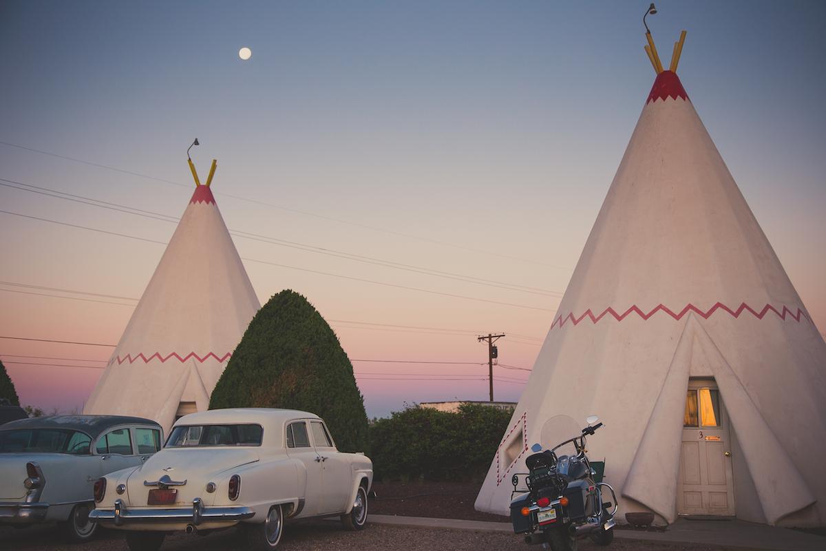 Dawn at the Wigwam Motel