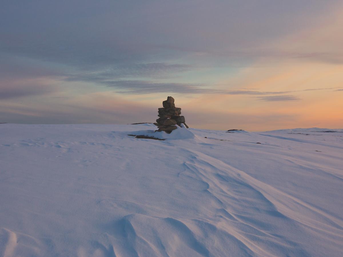 Flintheia cairn at dusk.