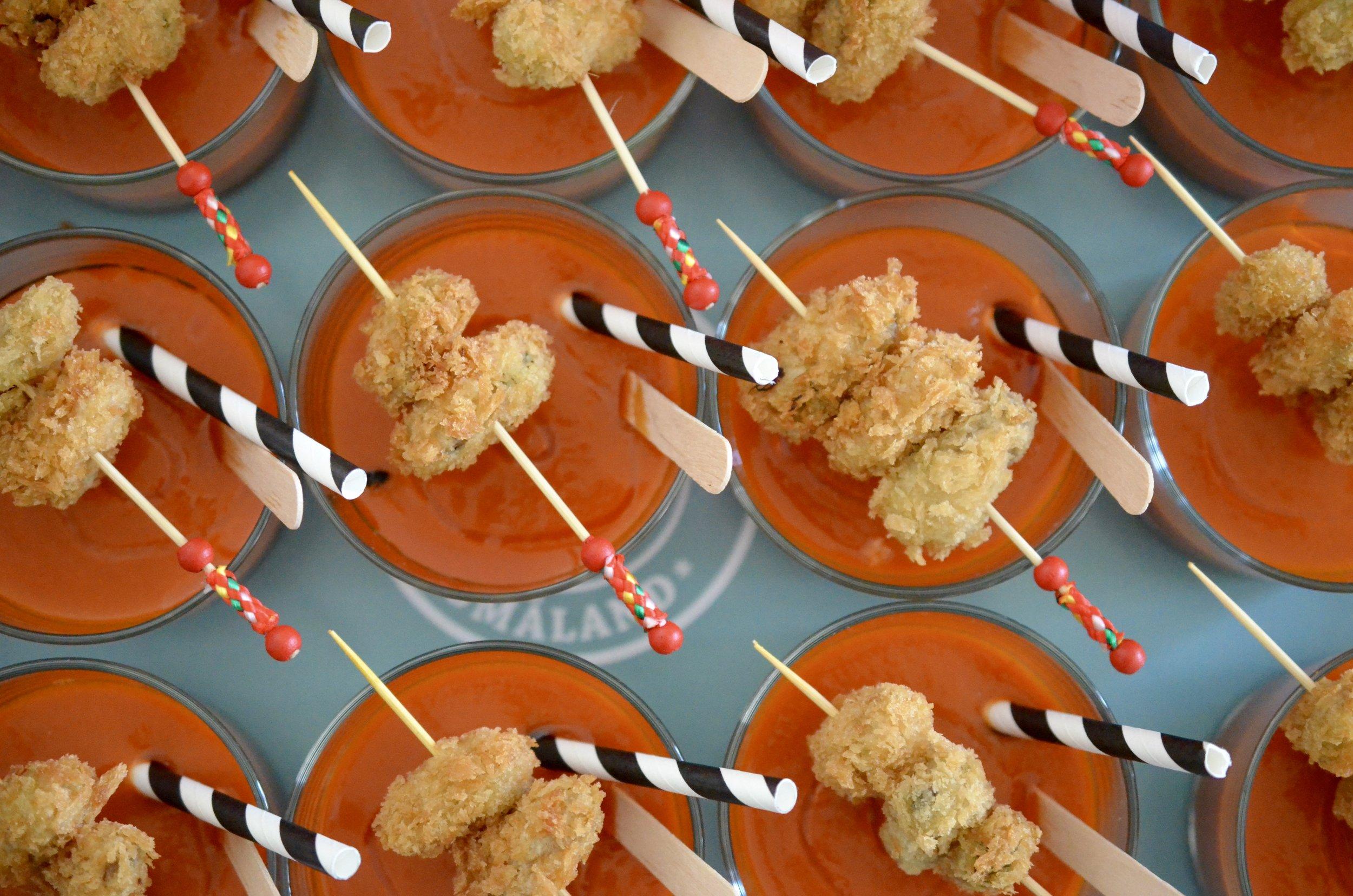 Hibiscus Dinners fingermat: Bloody Mary med sprø blåskjell