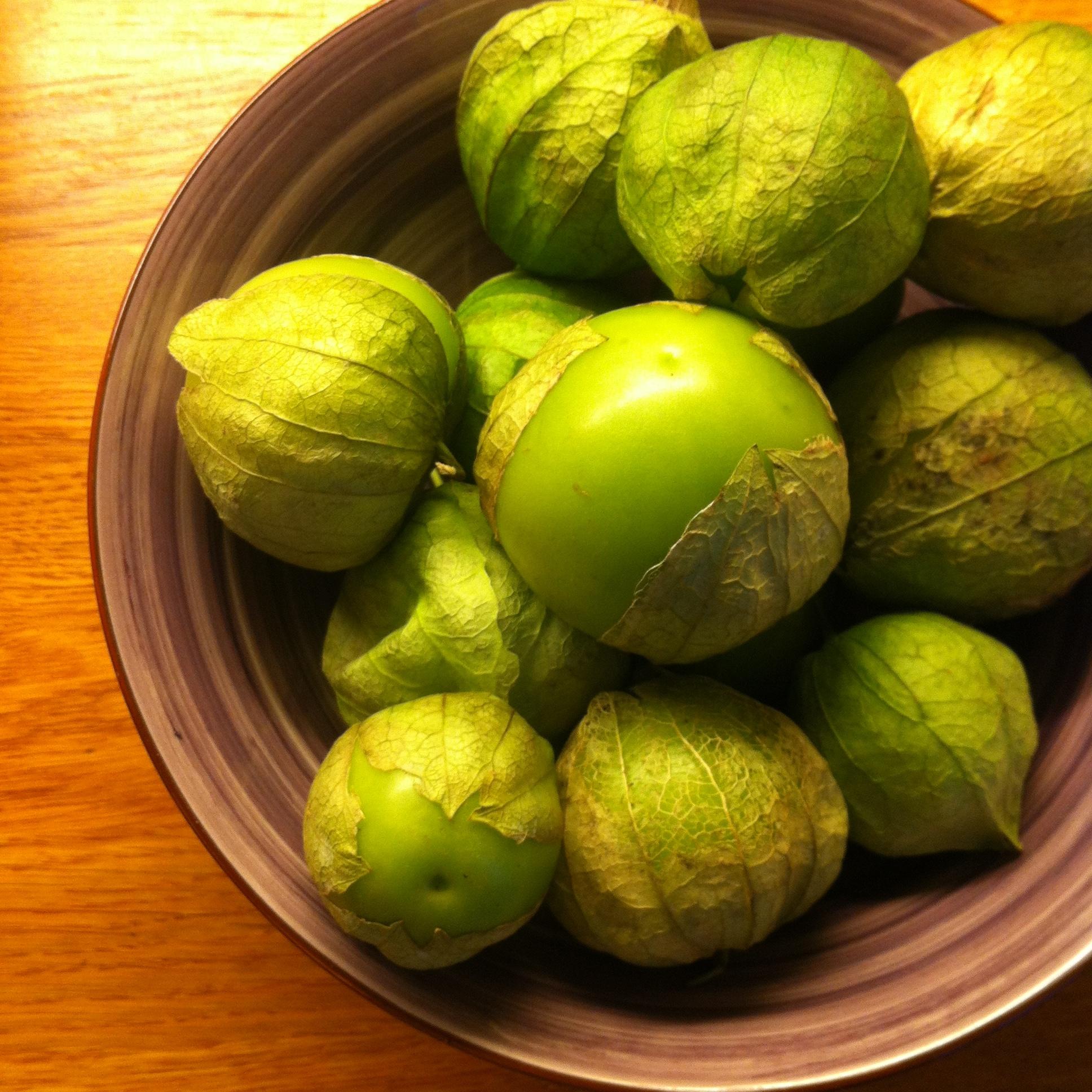 Hibiscus Dinners produkter: tomatillos for å lage meksikansk salsa verde