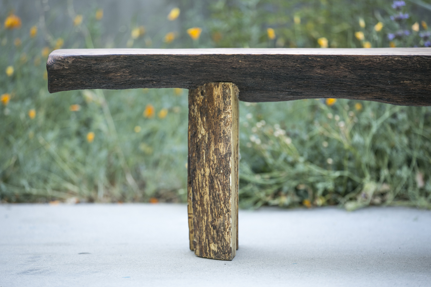 Large-oak-bench-split-legs-Detail-1.jpg