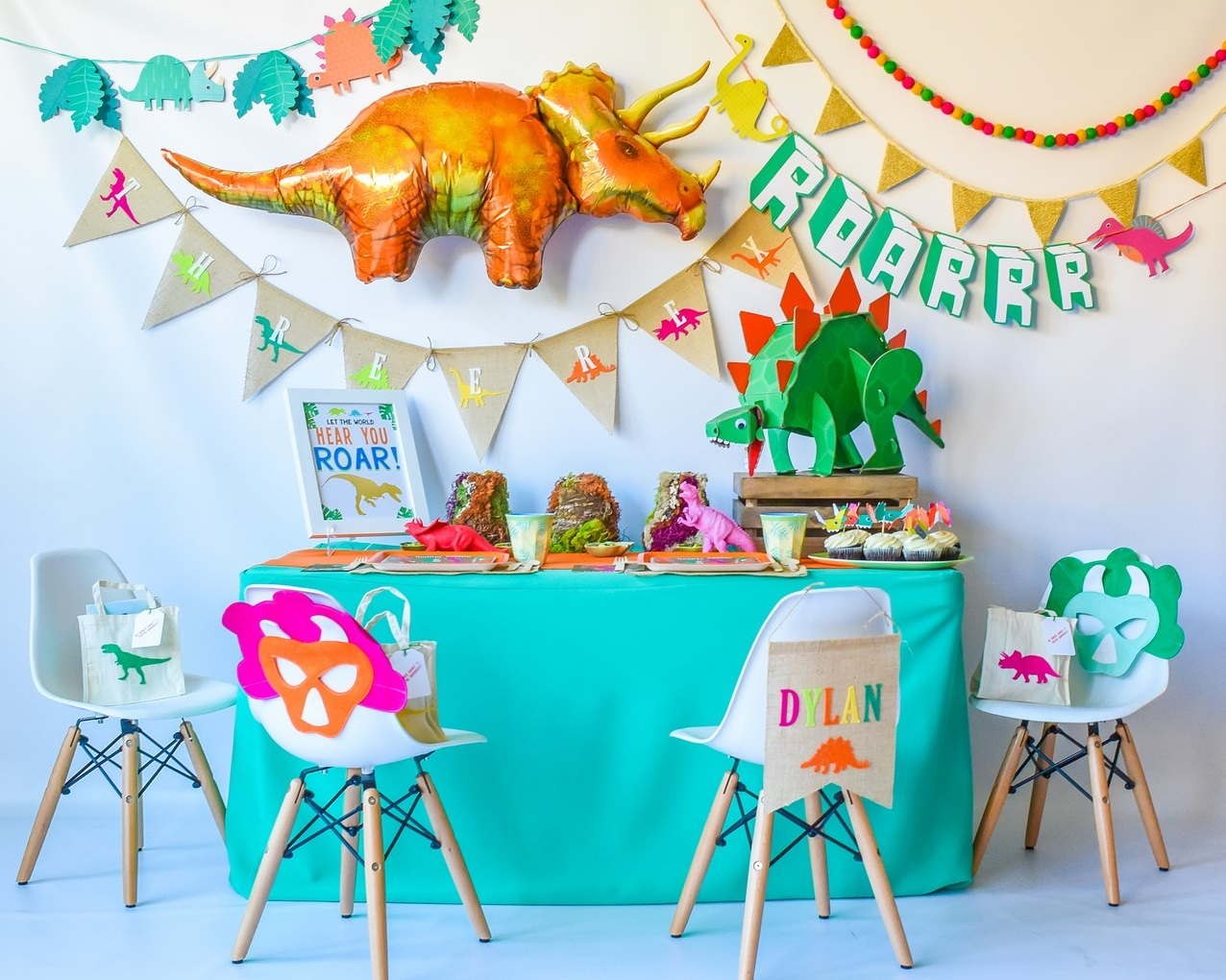 dinosaur-party-supplies-volcanos.jpg