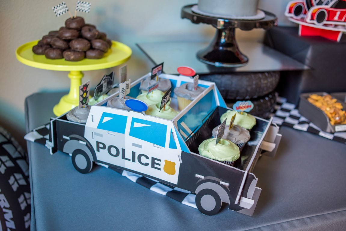 police-party-dessert-table.jpg