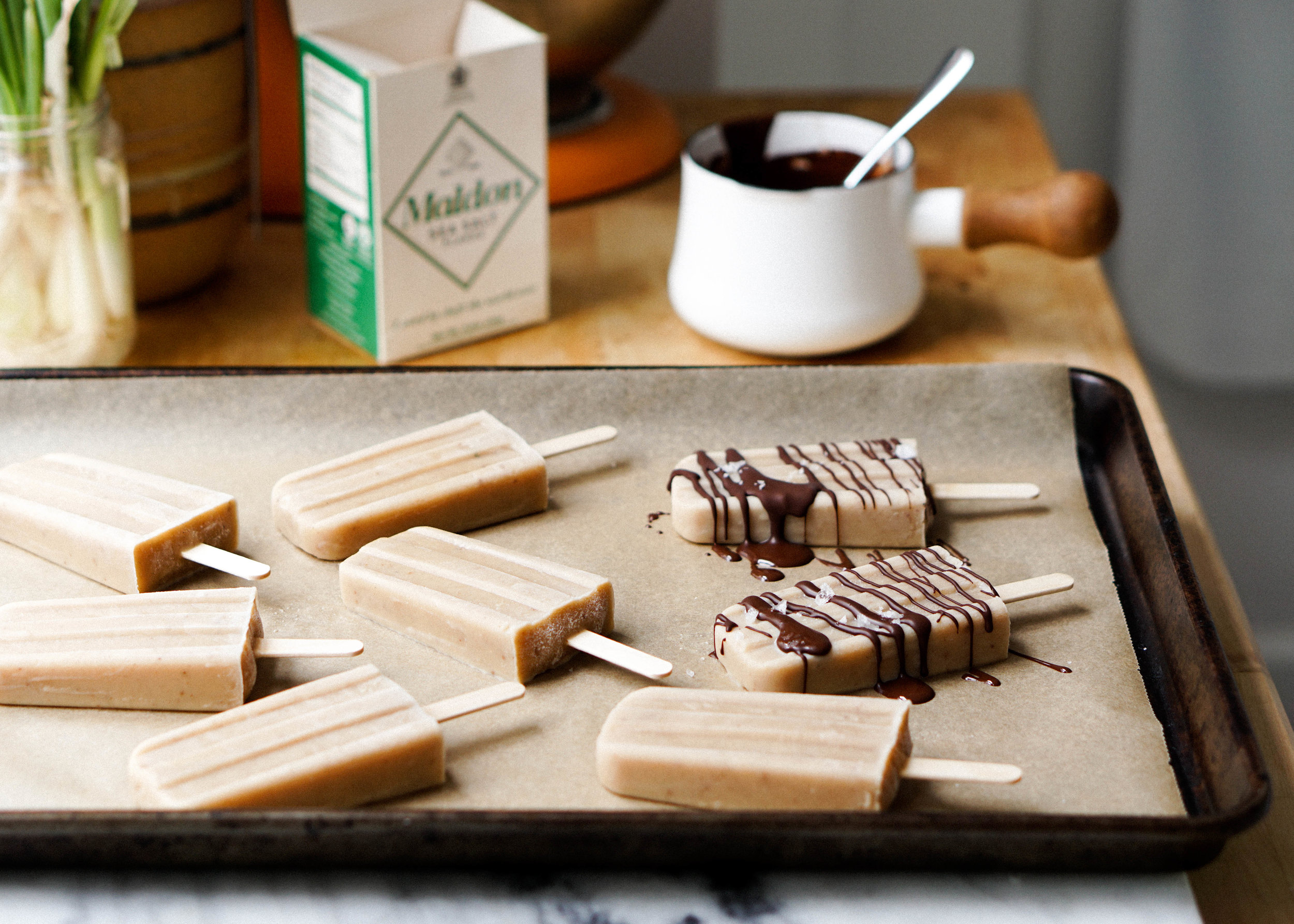 Spiced Hojicha Pudding Popsicles