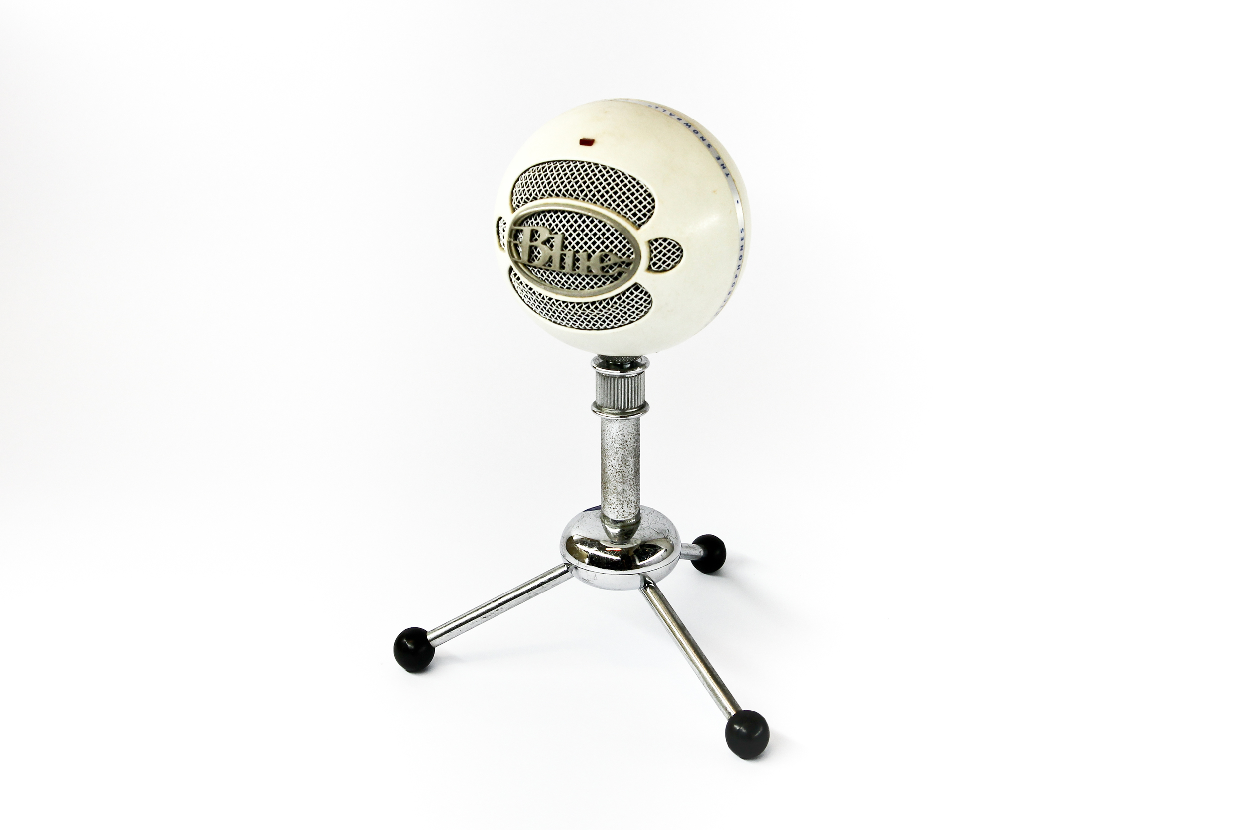 Digital microphone on tripod