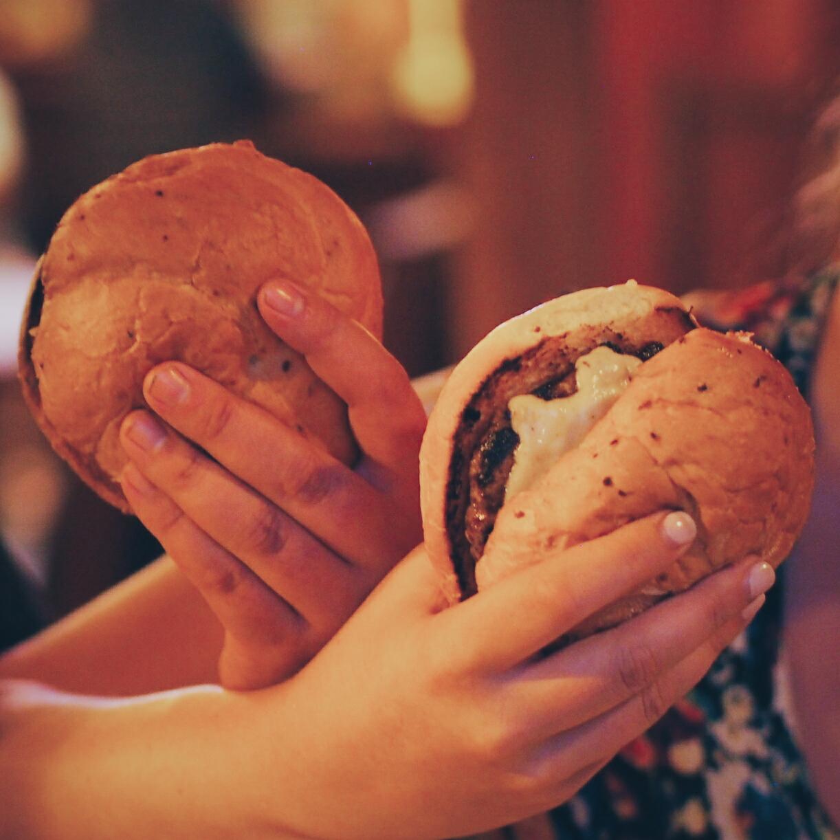 The Italian Sausage Burger - Pause
