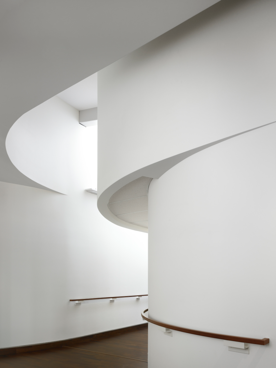 These curved lines remind me of the interior of the Guggenheim. Photo is by Teeple Architects.