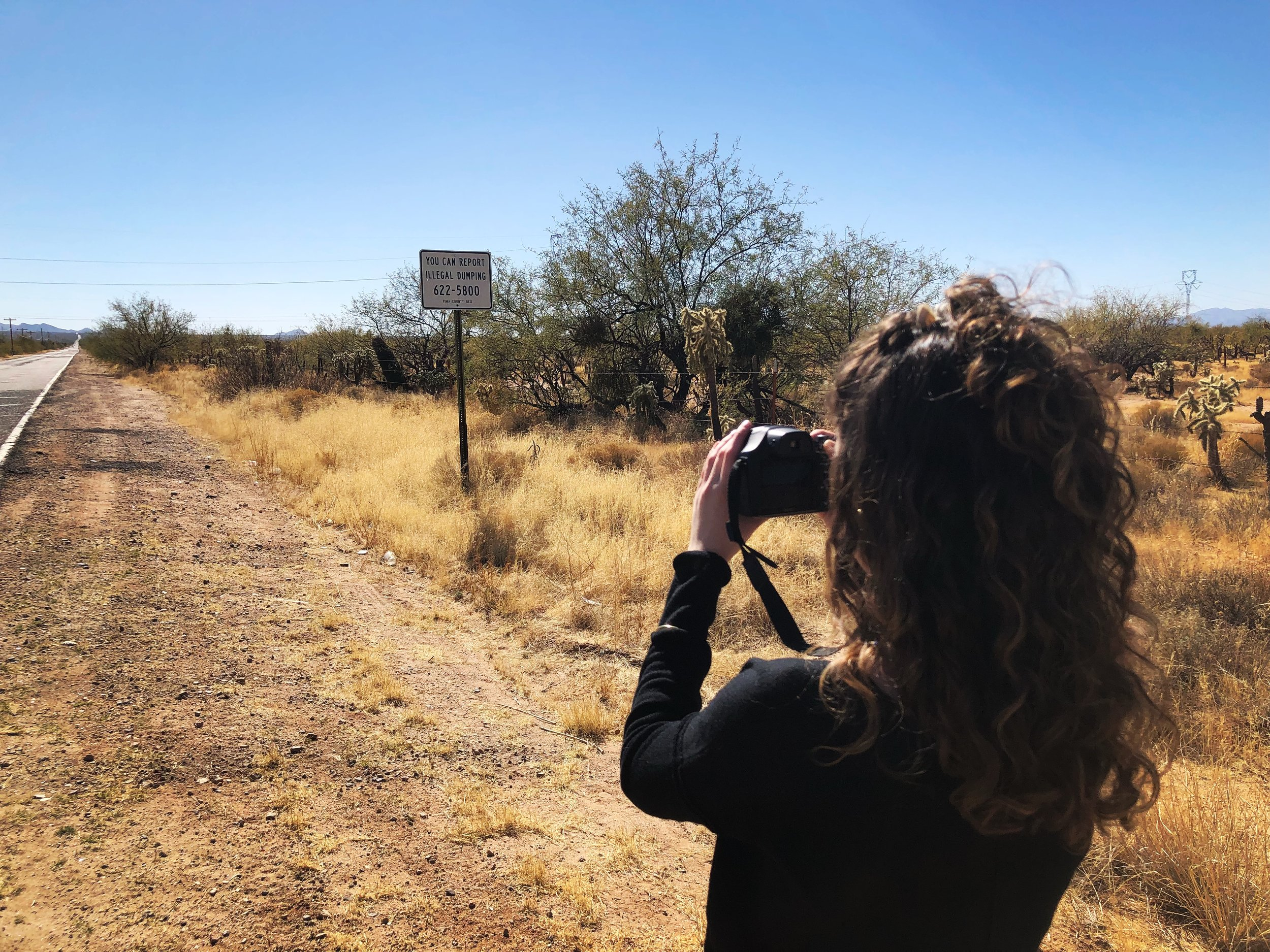 Somewhere between Tucson and the U.S.-Mexico border on assignment for Cronkite News. (Photo by Lillian Donahue)