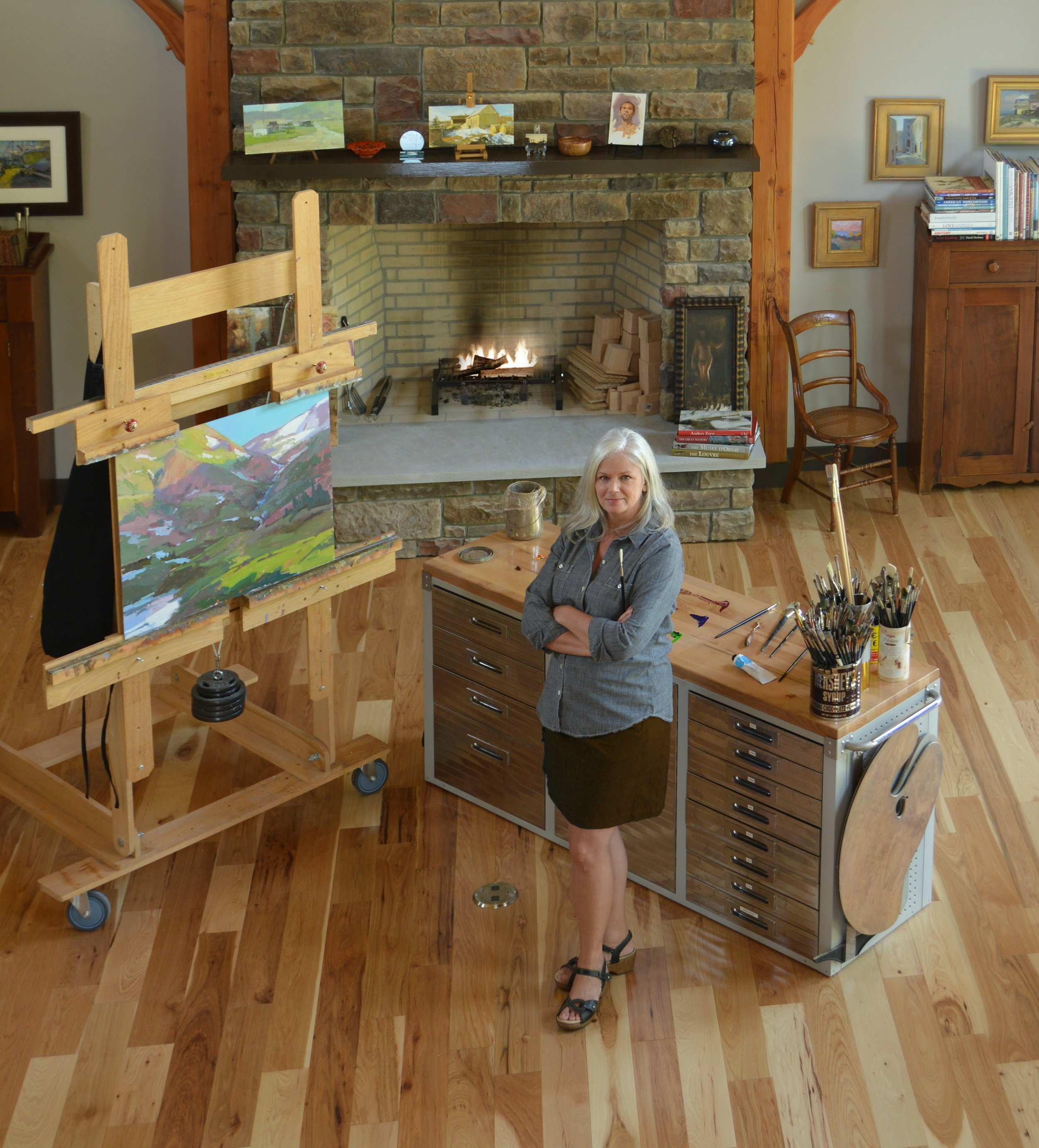 The Studio of Lori PutnamArt of the West Magazine,by Mary NelsonNovember/December 2015 - Lori in her studio