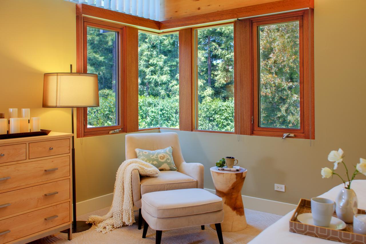 reader's nook with wide corner windows