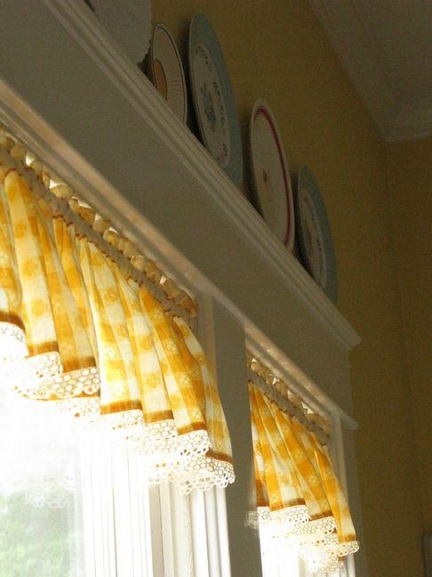 white kitchen yellow curtain