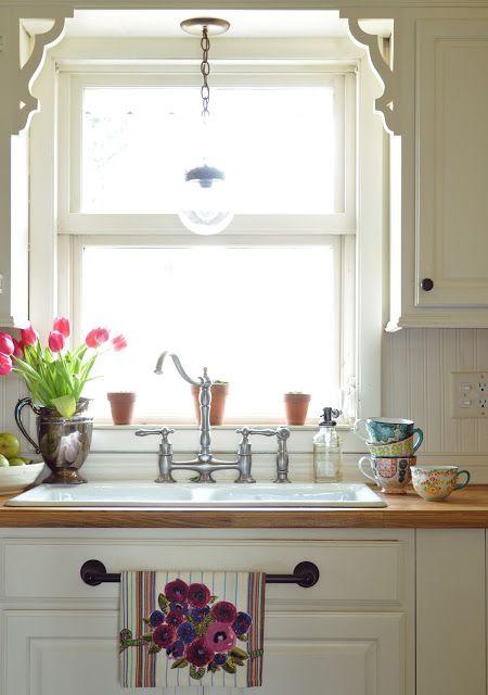 charming farmhouse kitchen design