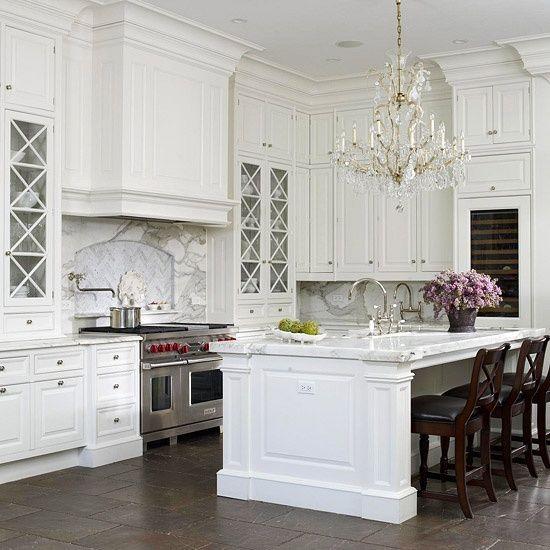 beautiful tranditional kitchen