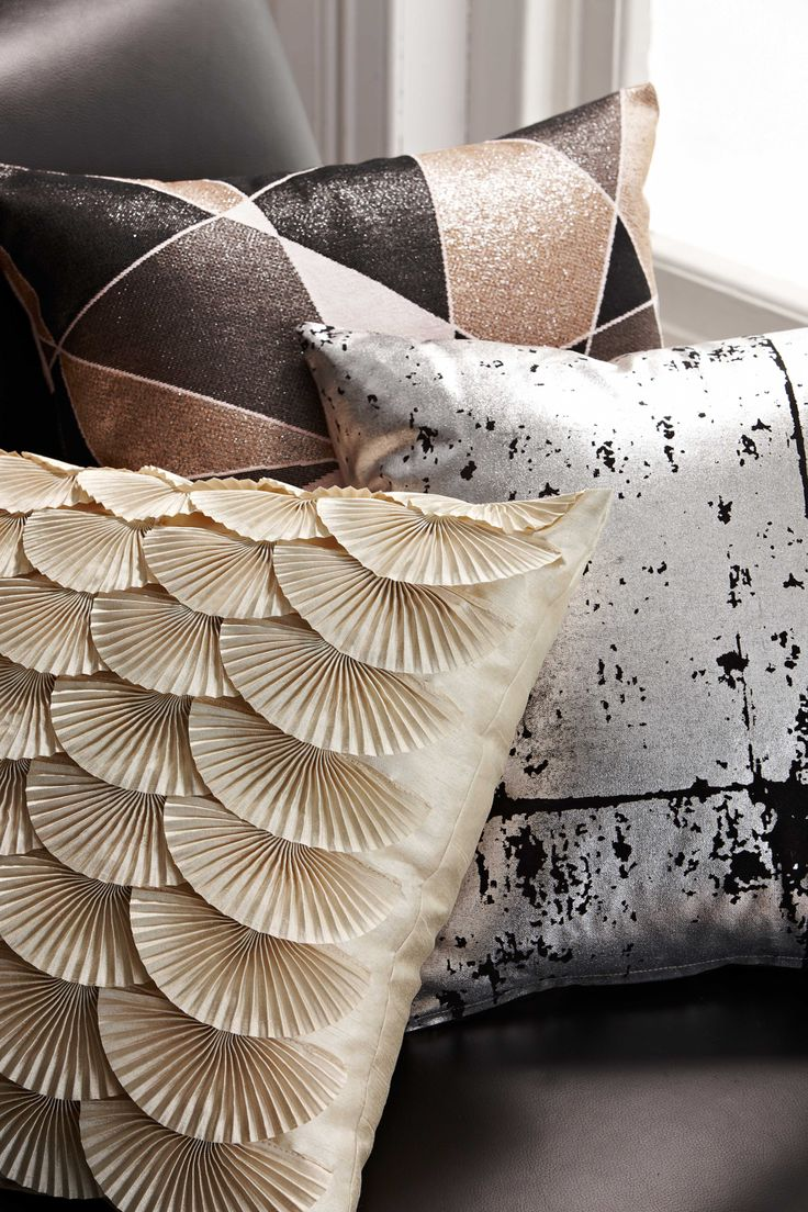 chic throw pillows