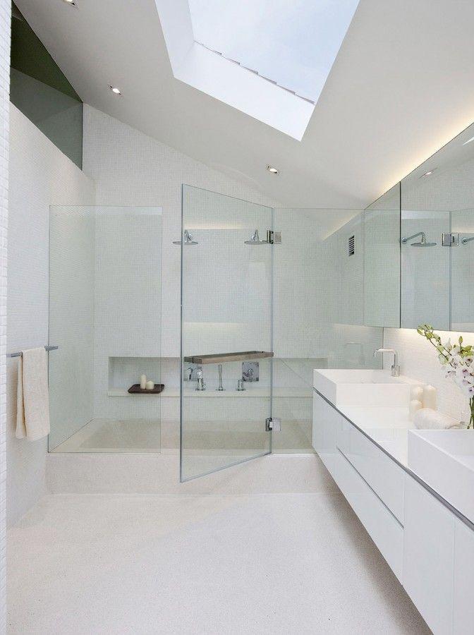 open and light bathroom design
