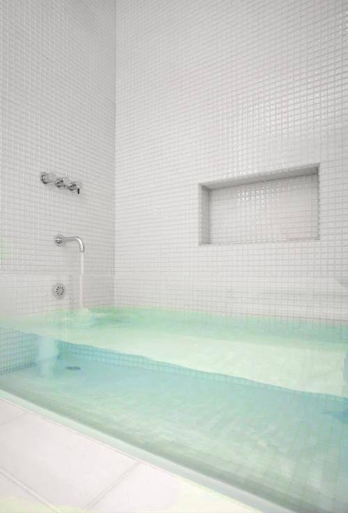 modern transparent bath tub
