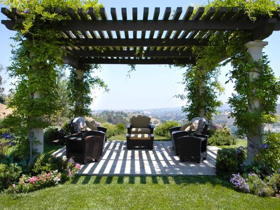 Grecian pergola with white pillars