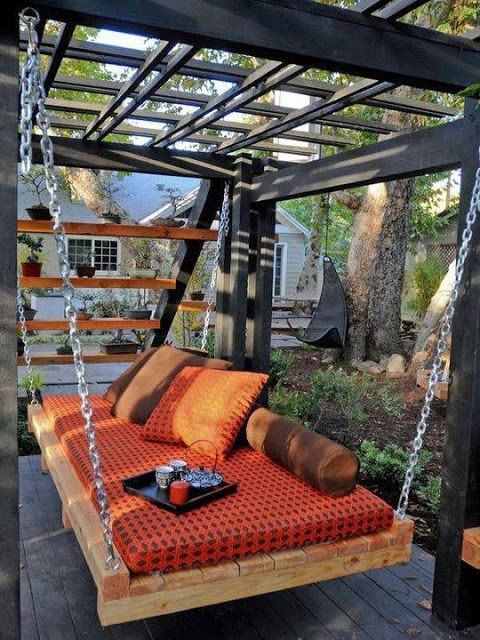 small pergola with pallet swing bed