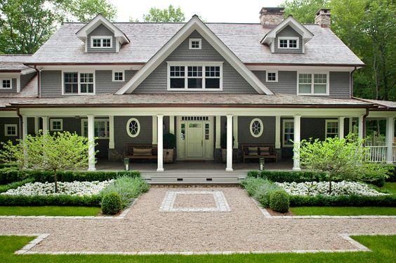 symmetrical front yard