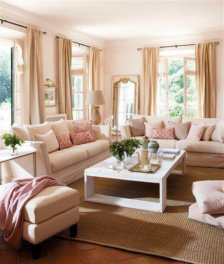 classic Cape cod living room