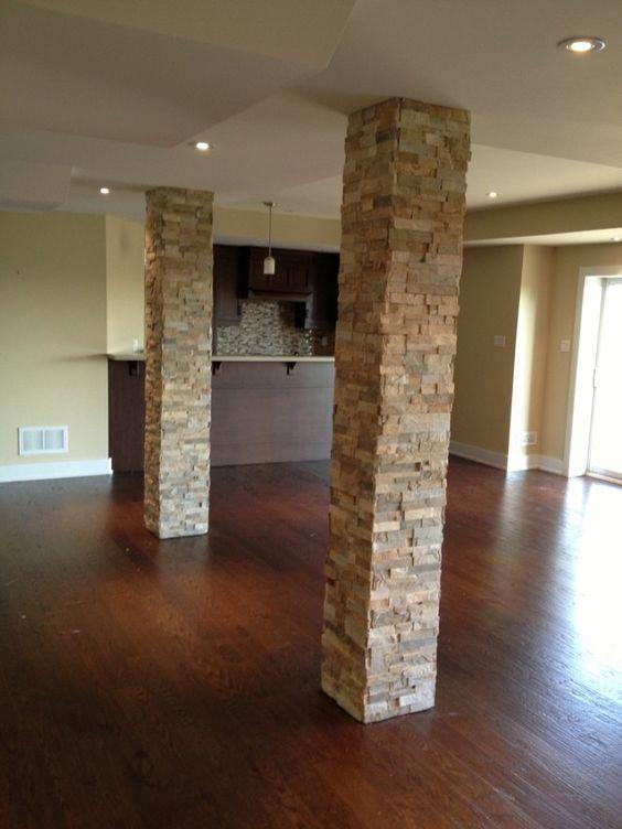 empty room with brick columns