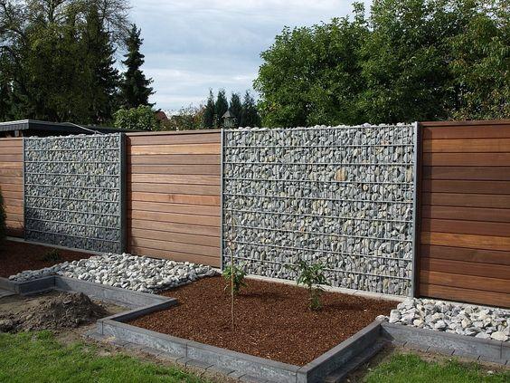 габион и деревянный забор