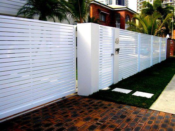 белая горизонтальная предкрылковая ограда
