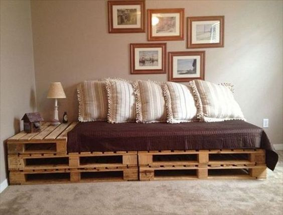 re-purposed pallet couch