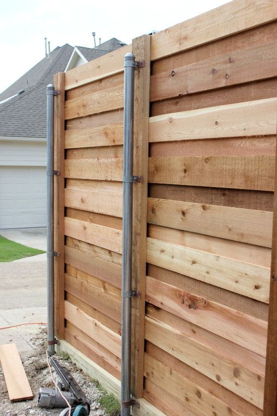 recycled pallet fence