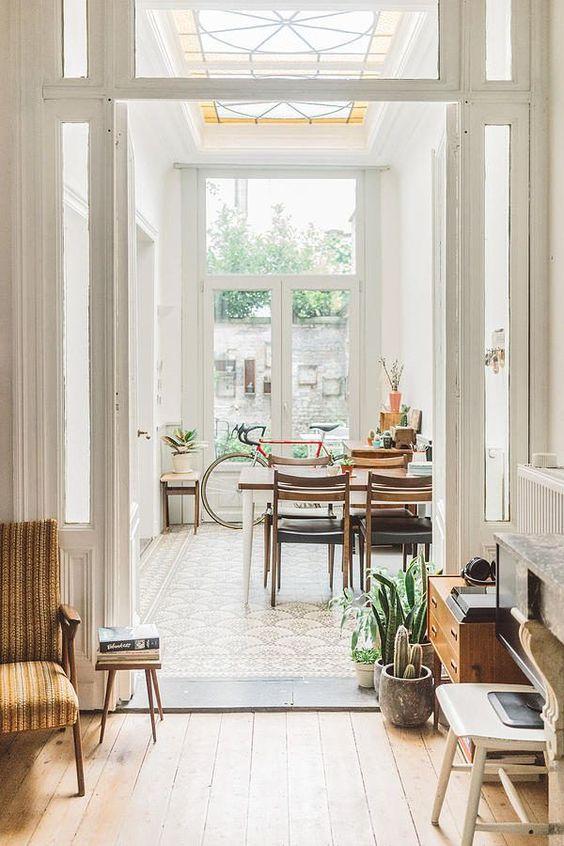 white and light Scandinavian interiors