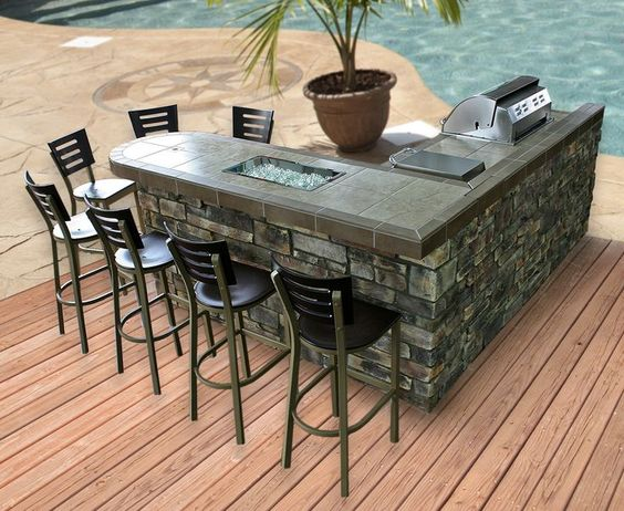L-shaped poolside outdoor kitchen